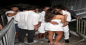 Bruna Marquezine e Marlon Texeira beijam muito no Réveillon