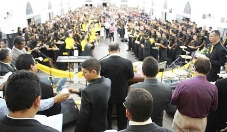 Evangélicos lotam Igreja Assembleia de Deus no primeiro dia de Congresso de Jovens