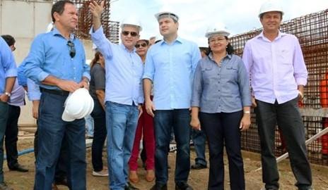 Durante visita a Delmiro Gouveia, Renan Filho anuncia investimento na Saúde e Infraestrutura