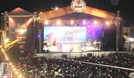 20 mil pessoas participam da VII edição da Festa do Carro de Boi em Inhapi (Fotos)