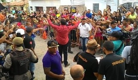 Paulo Afonso faz festa para Geraldo Luiz na entrega da nova casa de Fabrício (Fotos e Vídeos)