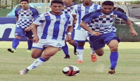 Jogador delmirense Thiago Alagoano marca dois gols em jogo pelo Campeonato Gaúcho