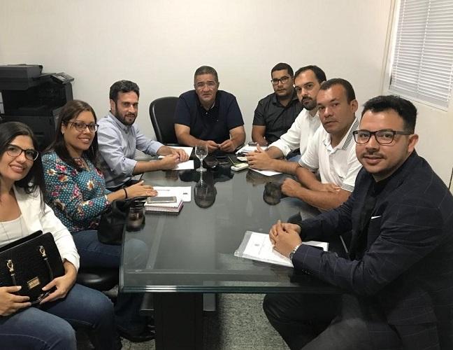 252d3b768883f Fundado em 2013, o CONISUL reúne cerca de 50 municípios alagoanos,  conveniados e consorciados, que tem por finalidade planejar, adotar e  executar ações ...