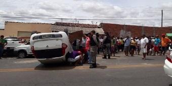 cf88d2e352049 Veículo capota após motorista perder o controle em Santana do Ipanema