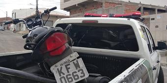 SMTT encontra motocicleta abandonada em Delmiro Gouveia, no Sertão de Alagoas