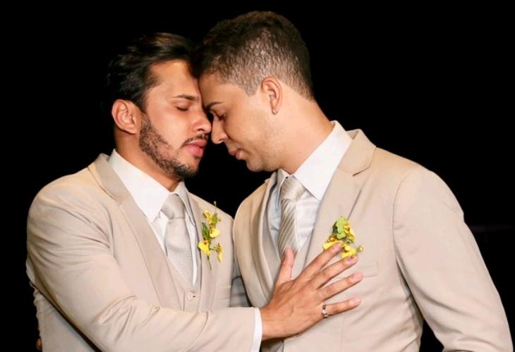 Carlinhos Maia e Lucas Guimarães se casam às margens do Rio São Francisco