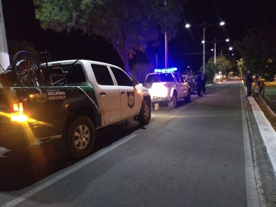 Acidente entre moto e bicicleta deixa feridos no Centro de Delmiro Gouveia, no Sertão de Alagoas