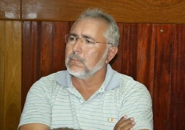 Questionado sobre corrupção, Padre Eraldo foge de entrevista e é chamado de destemperado