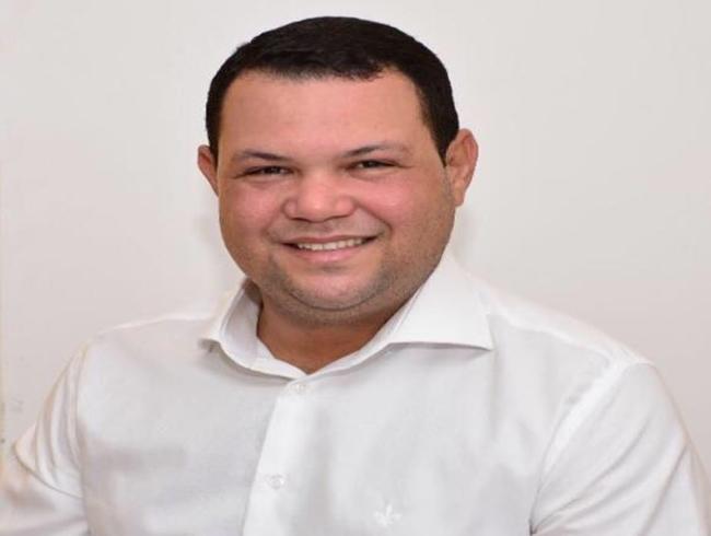 """""""Precisamos proteger nossas famílias"""", afirma vice-prefeito de Delmiro em vídeo"""