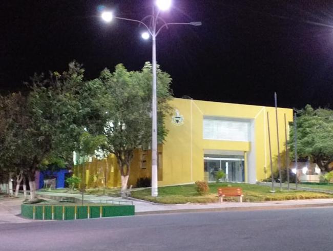 Em nove meses, prefeitura de Delmiro ganha 182 funcionários e mais de meio milhão em despesa na folha