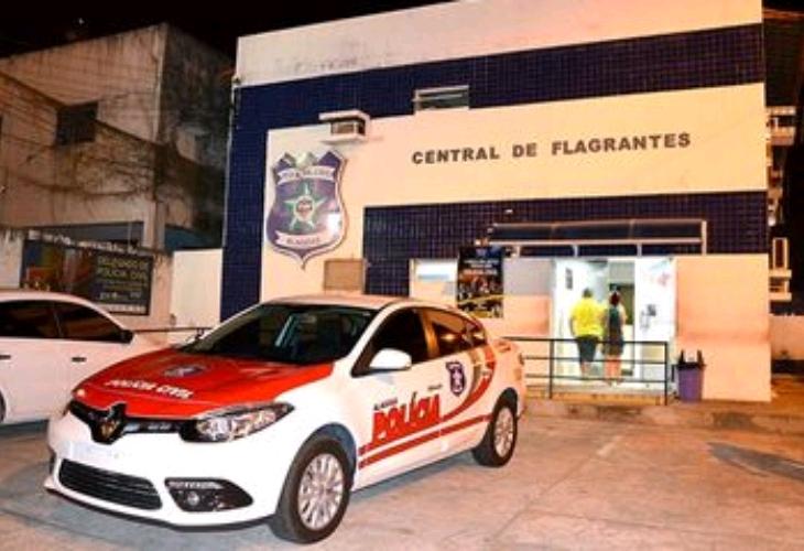 Dupla é presa por tráfico de drogas em Marechal Deodoro