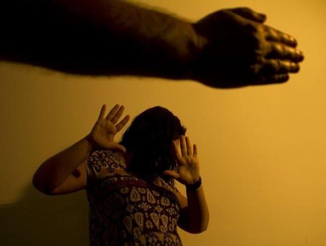 Em um ano, violência psicológica, física ou sexual atingiu 377 mil pessoas em AL