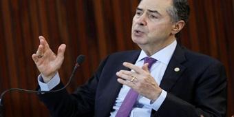 Barroso defende sistema de votação com urnas eletrônicas: 'Íntegro e que permite alternância'