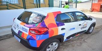 Equipes do Programa Criança Feliz e CRAS são beneficiadas com entrega de 2 veículos novos