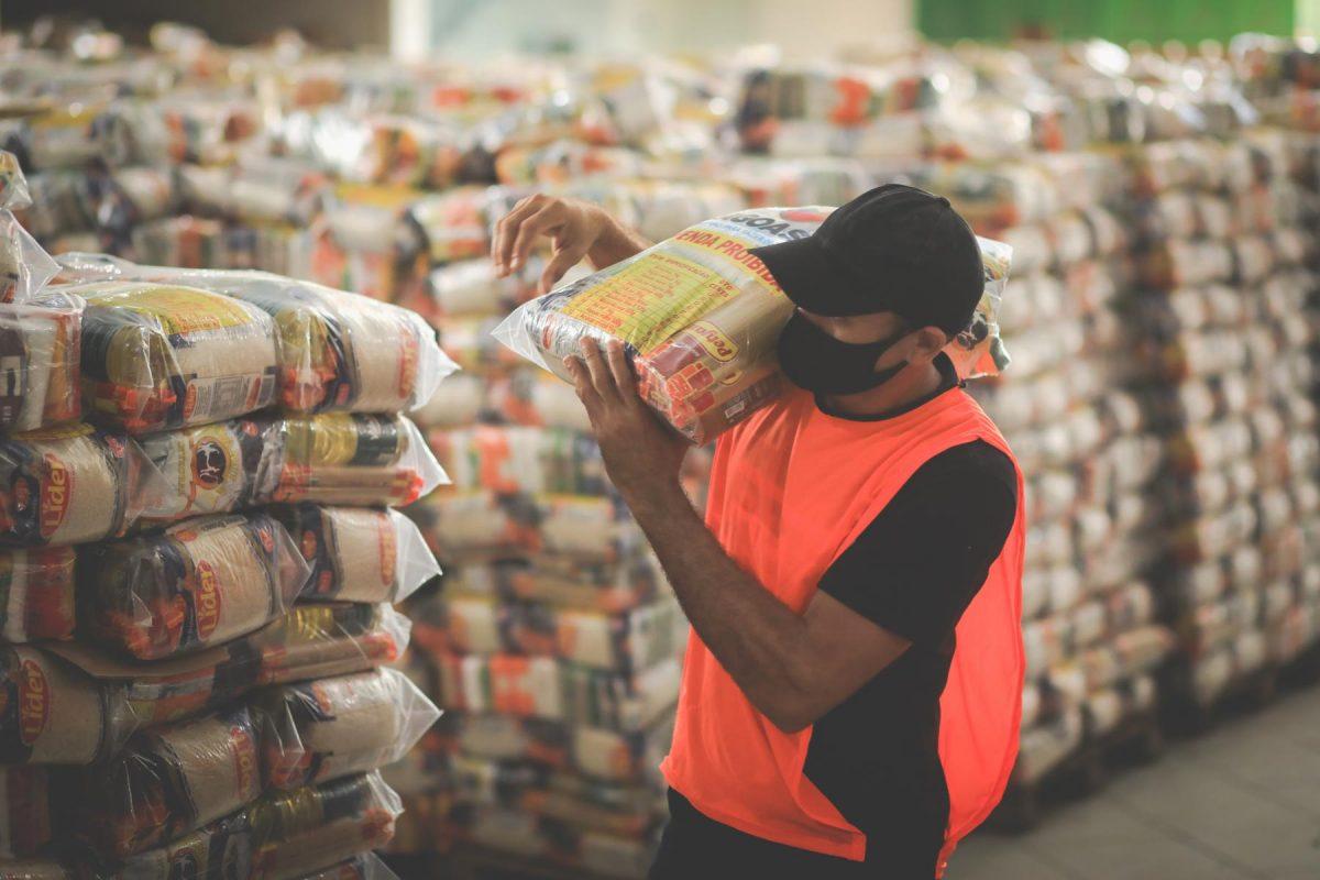 Pandemia: Governo inicia entrega de 250 mil cestas básicas a famílias carentes na segunda (19)