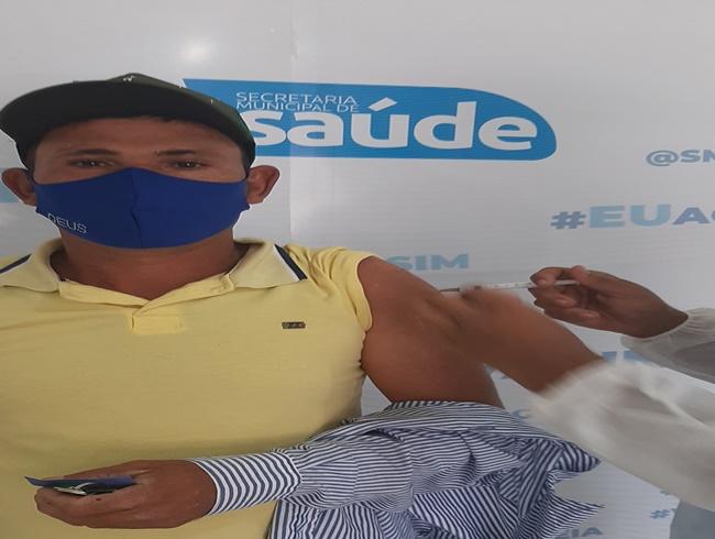 Vacinação avança em Delmiro Gouveia e mais de 50% da população adulta já está vacinada