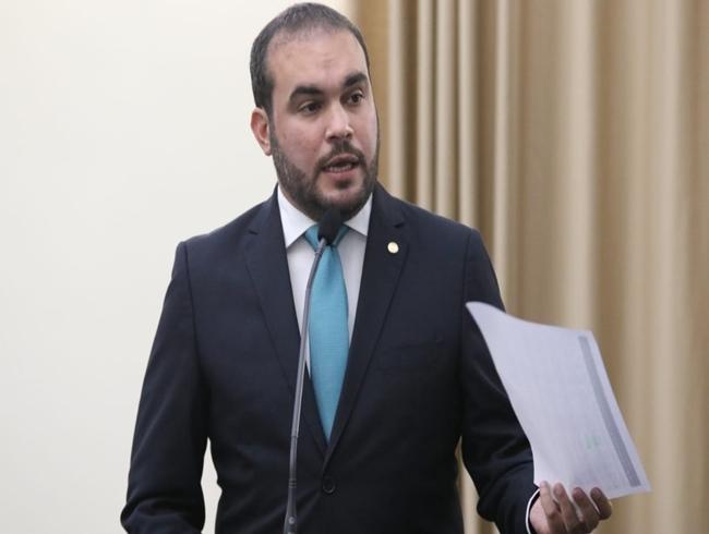 Deputado acusa Sesau de produzir documento falso sobre nomeação de vereador para hospital