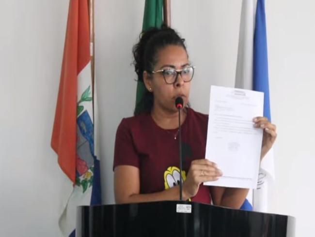Servidores da Educação de Delmiro Gouveia vão à Câmara e cobram recomposição salarial; gestão emitiu nota